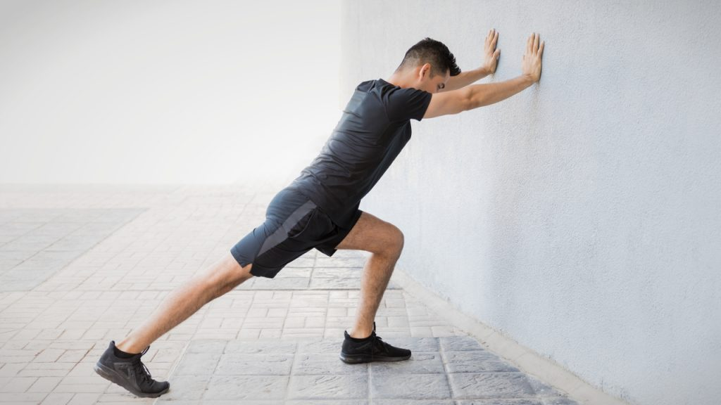 Static stretches for runners: Calf stretch