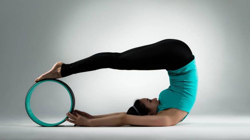 How to use yoga wheel