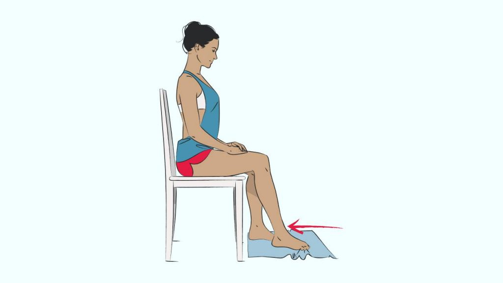 Exercises to strengthen the foot arch: Towel crunches