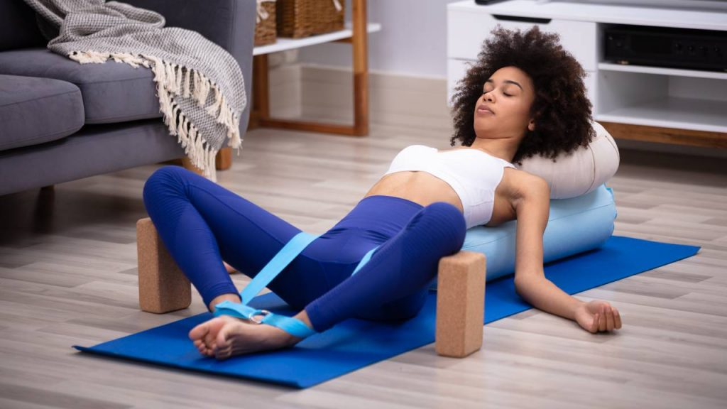 How to use yoga block to relax