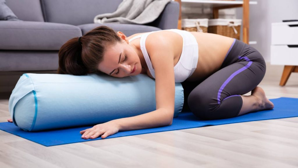 How to use yoga bolster