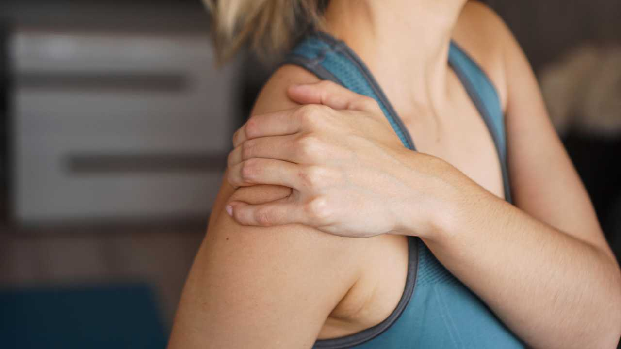 Ways to deal with a frozen shoulder